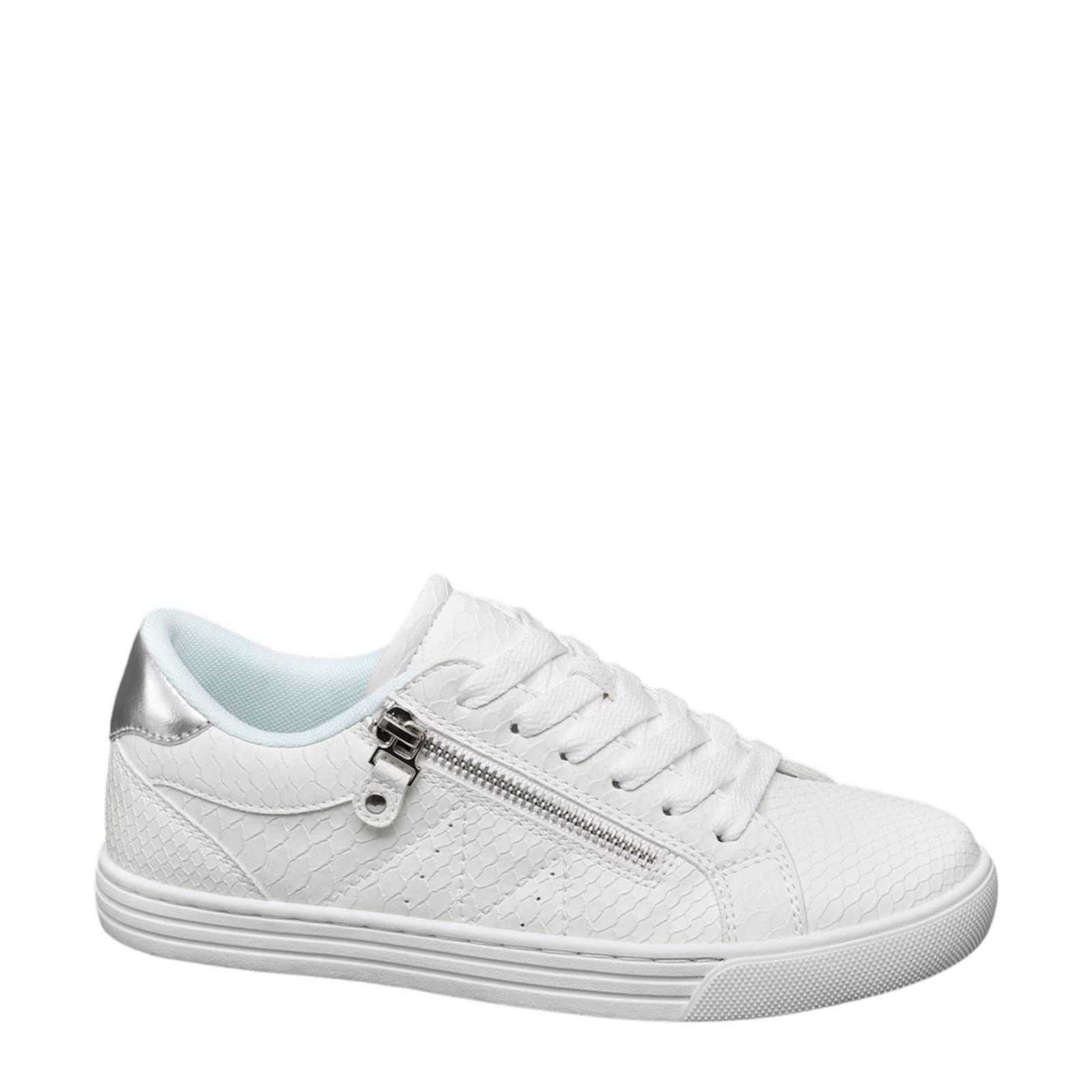 witte schoenen van haren