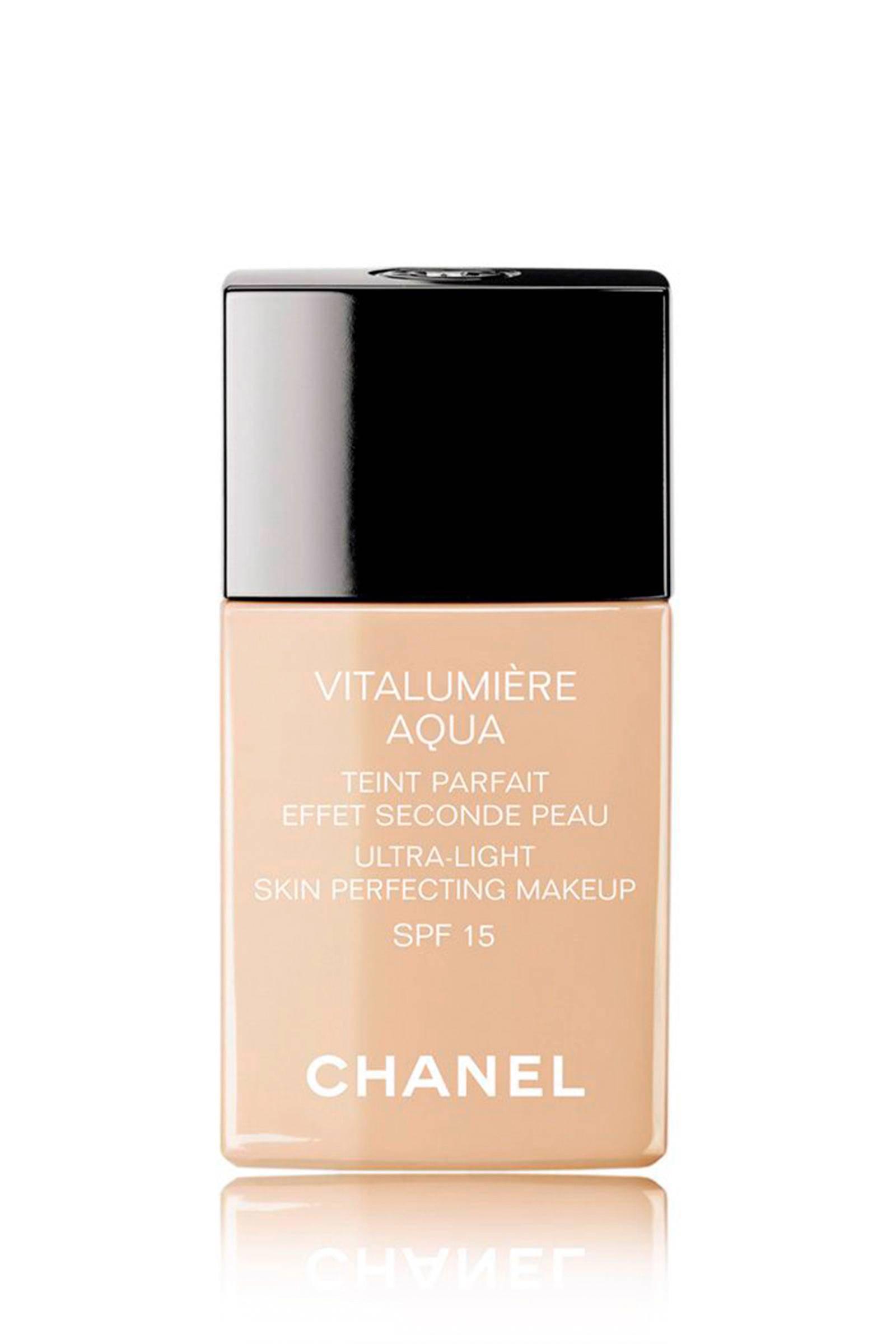 Chanel Vitalumière Aqua foundation - 10 Beige (Beige Pastel)