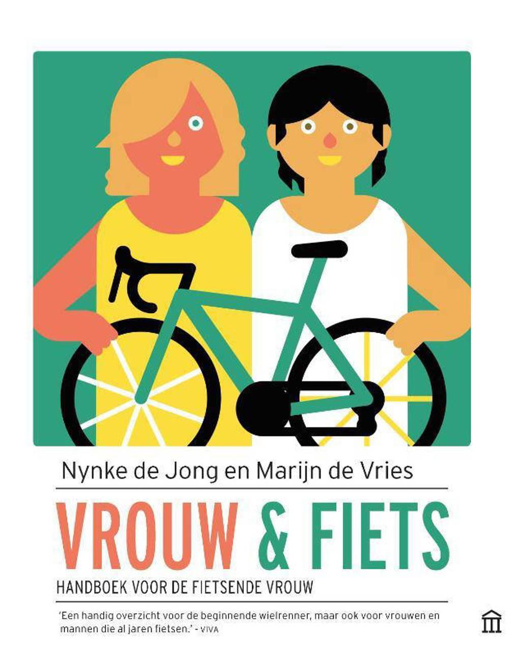 Vrouw en fiets - Nynke de Jong en Marijn de Vries