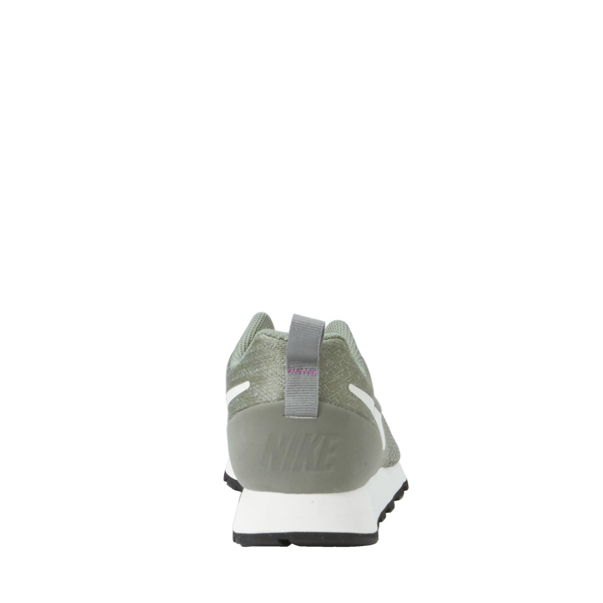 d3c18e3b881 Nike MD Runner 2 Eng Mesh sneakers   wehkamp