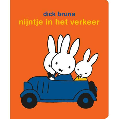 Stickerboek Nijntje In Het Verkeer