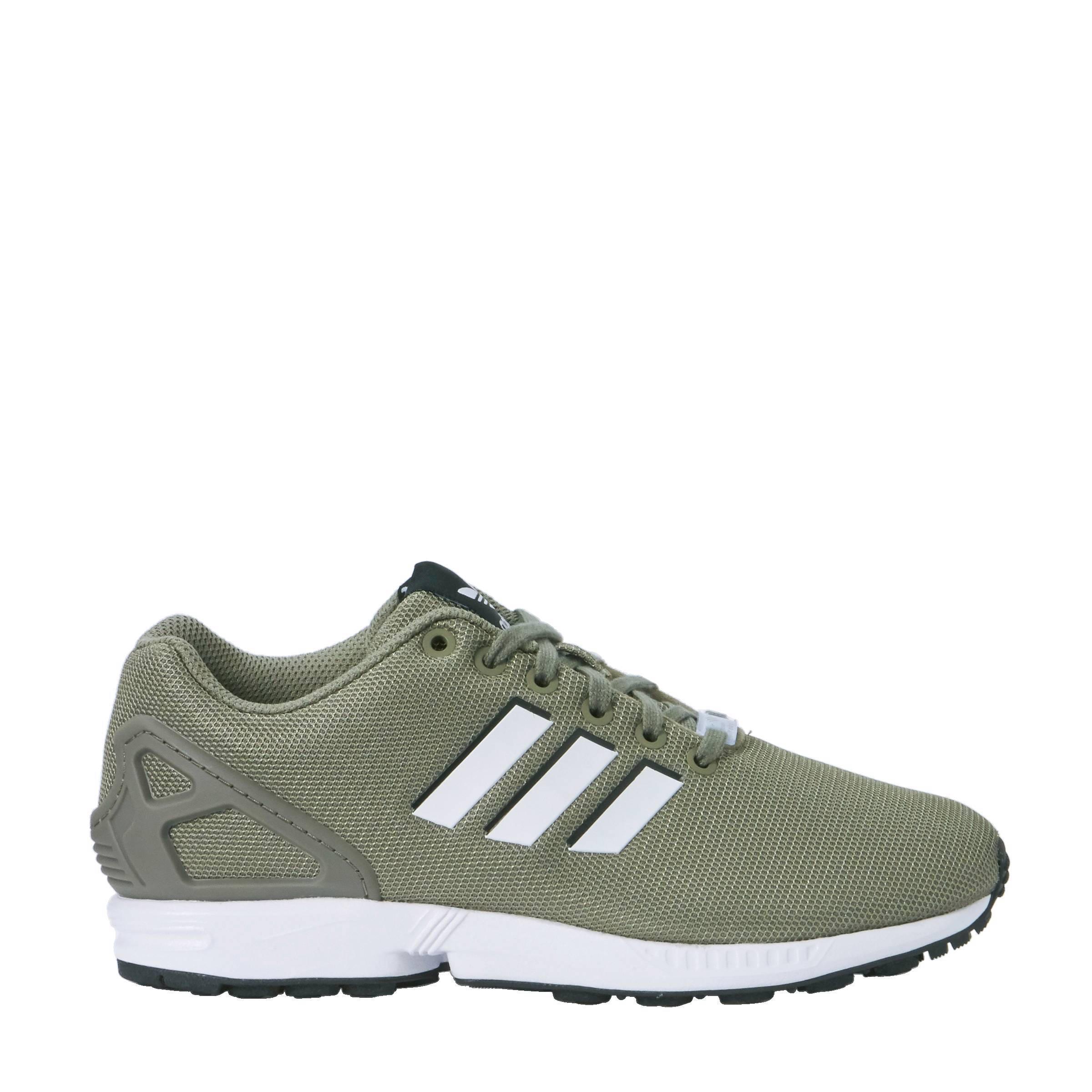 olijfgroen adidas schoenen
