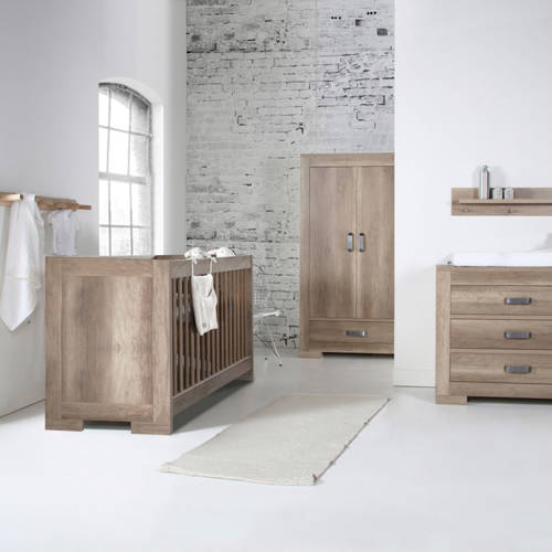 Brent Oldwood babykamer (ledikant + commode)