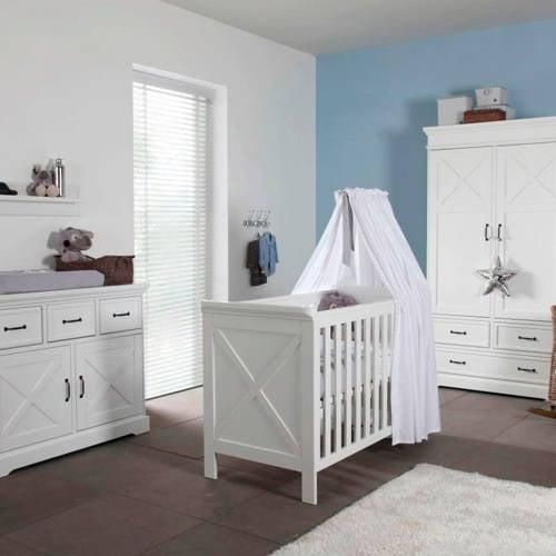 Savigno babykamer met kruis (ledikant + commode)