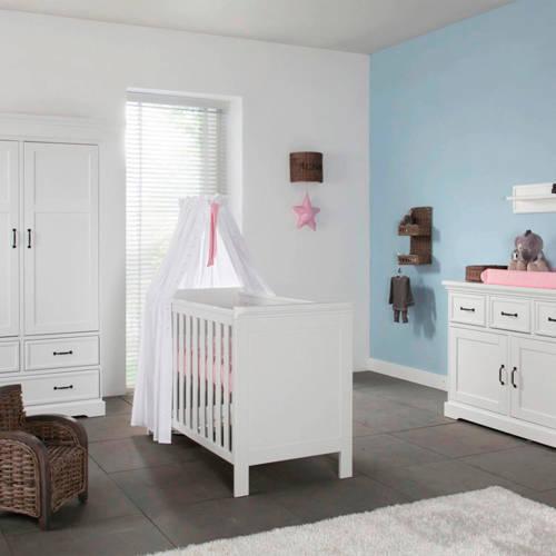 Savigno babykamer (ledikant + commode + linnenkast)
