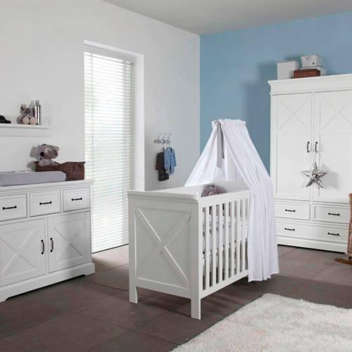 Savigno babykamer met kruis (ledikant + commode + linnenkast)