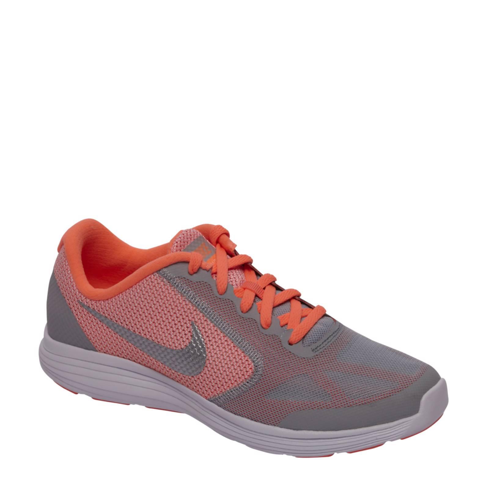 Revolution 3 sneakers