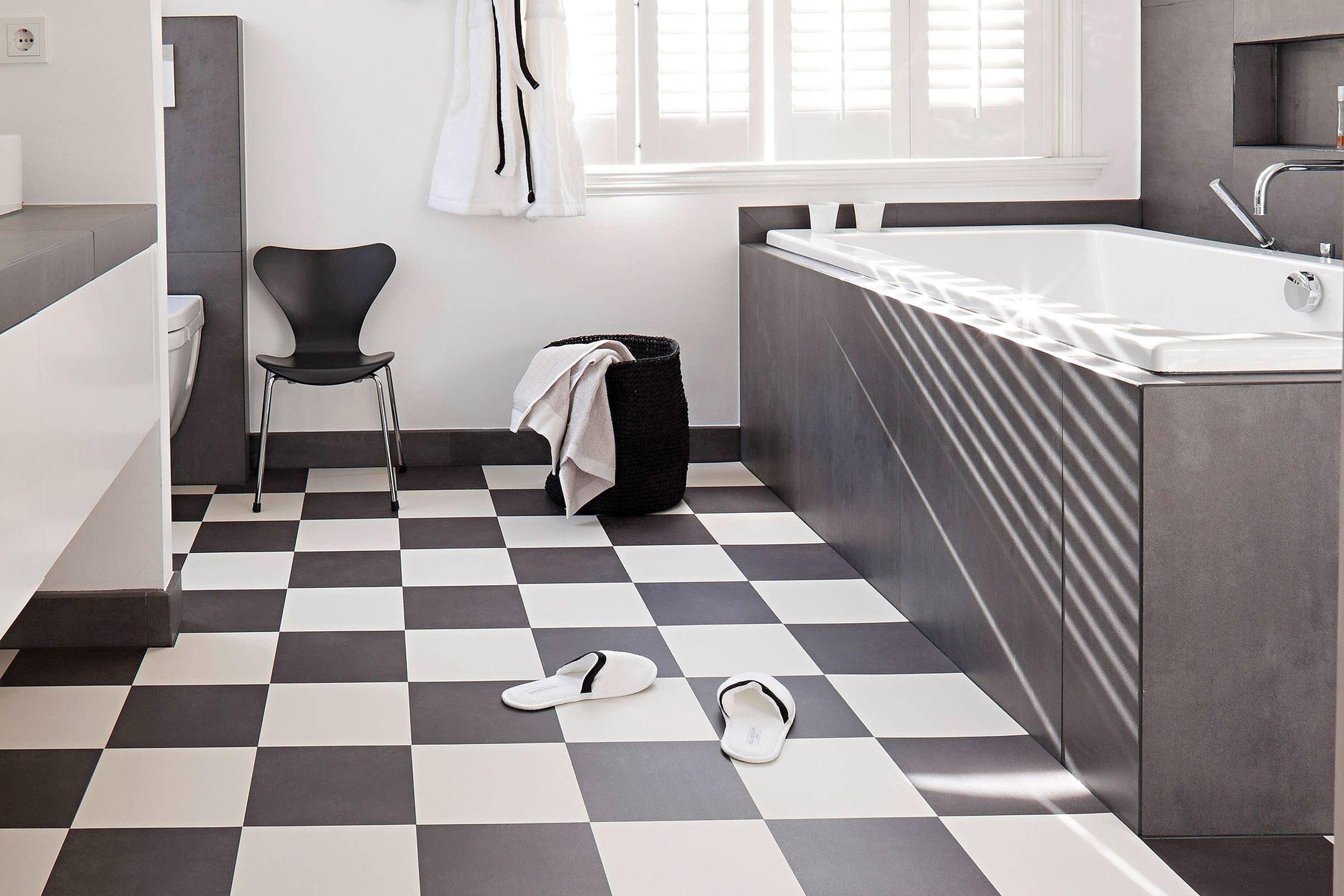Zwart wit en hout vloerkleden op vinyl winactie