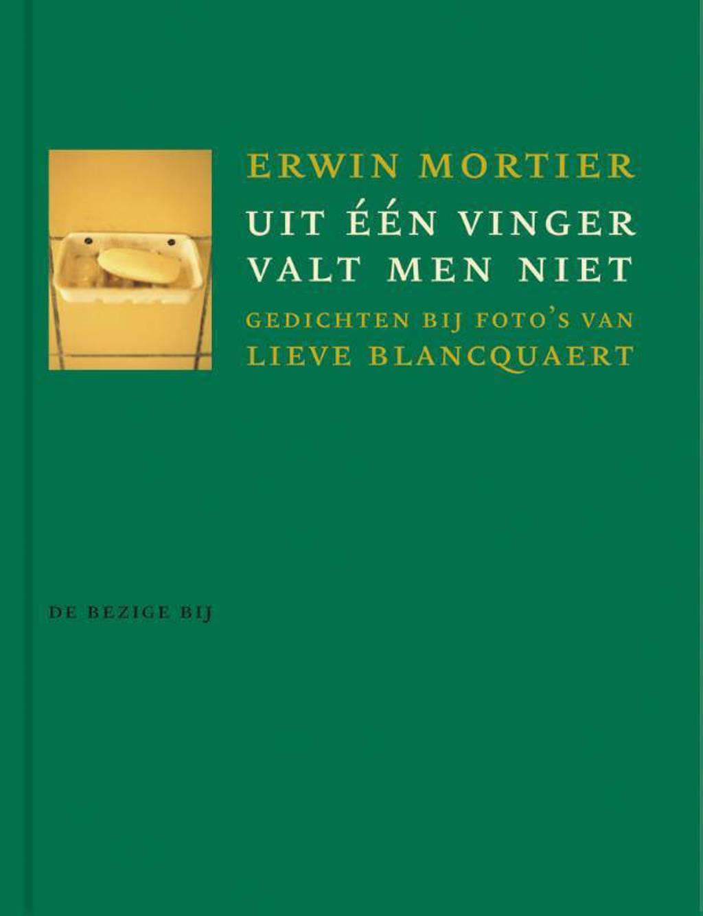 Uit een vinger valt men niet - Erwin Mortier