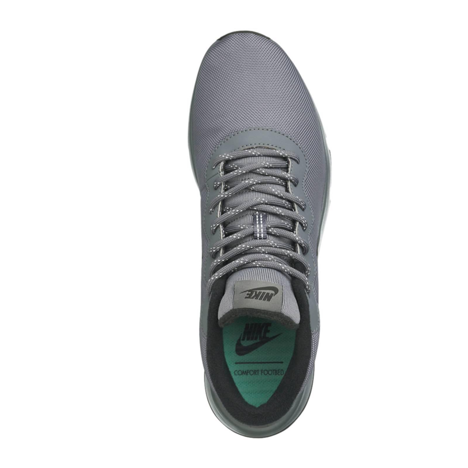Tanjun Chukka sneakers