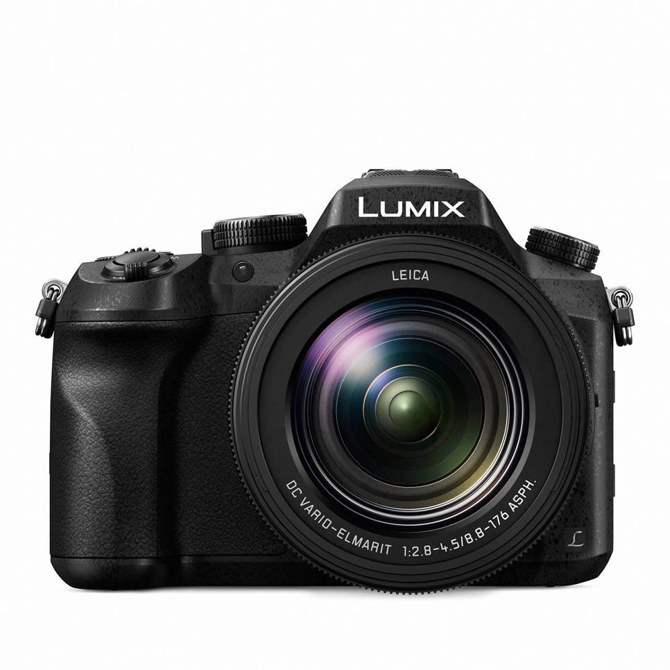 Panasonic Lumix DMC-FZ2000 superzoom camera
