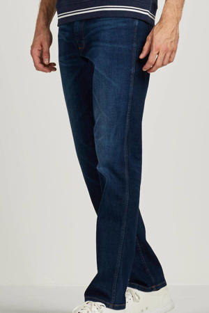 straight fit jeans Greensboro for real