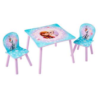Frozen houten tafel met stoeltjes