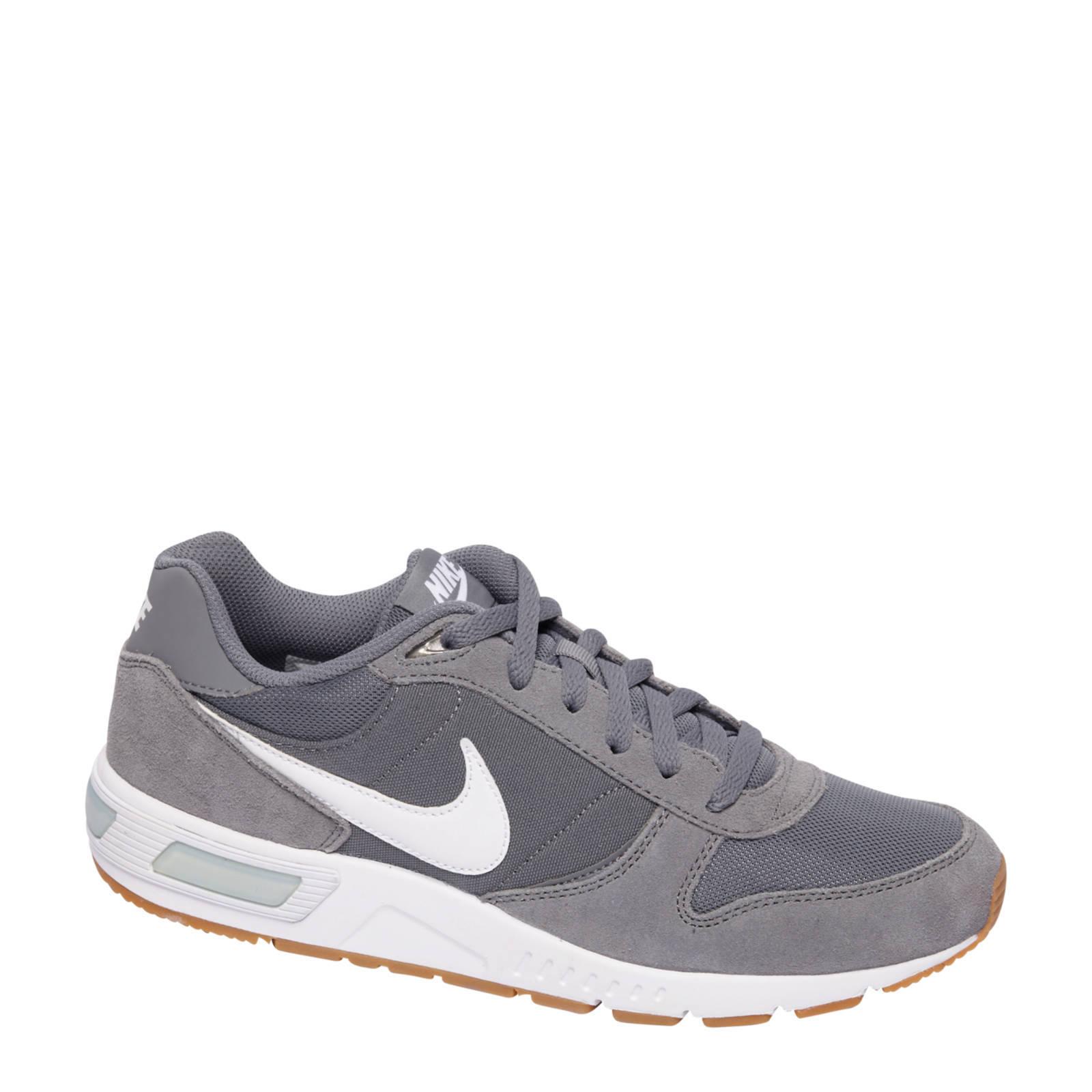 Nike Nightgazer sneakers | wehkamp