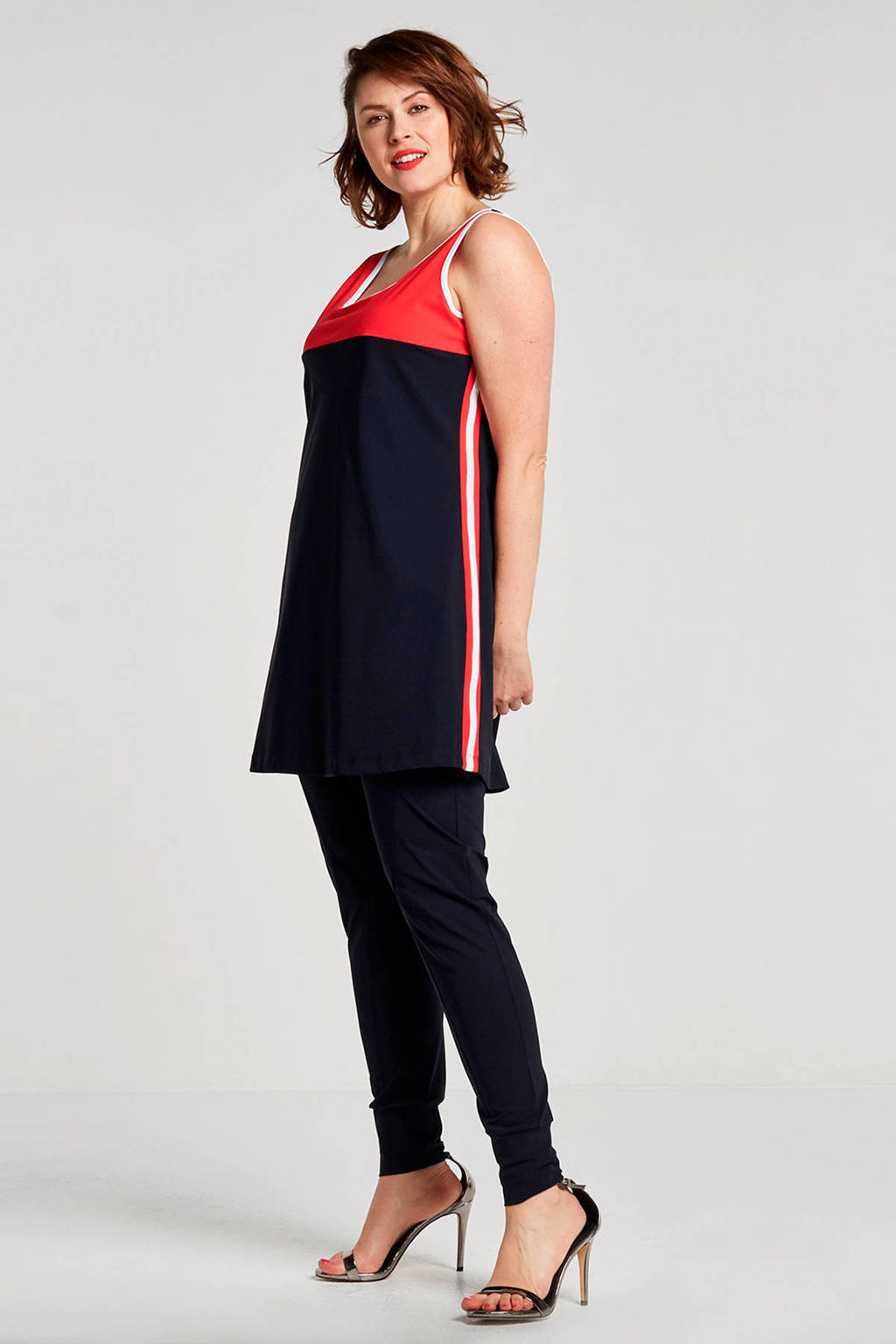 Plus Basics tapered fit travel kwaliteit broek, Marine