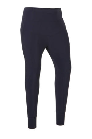 tapared fit broek in travelstof donkerblauw